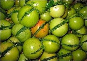 Зеленые помидоры, фаршированные